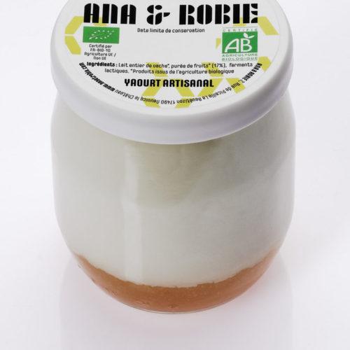 Yaourt bio de lait de vache sur lit de fruits Ana & Robie
